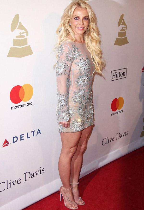 35 летняя Бритни Спирс удивила фанатов голым платьем и ... бритни спирс инстаграм