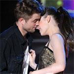 Роберт Паттинсон и Кристен Стюарт получили Лучший поцелуй года