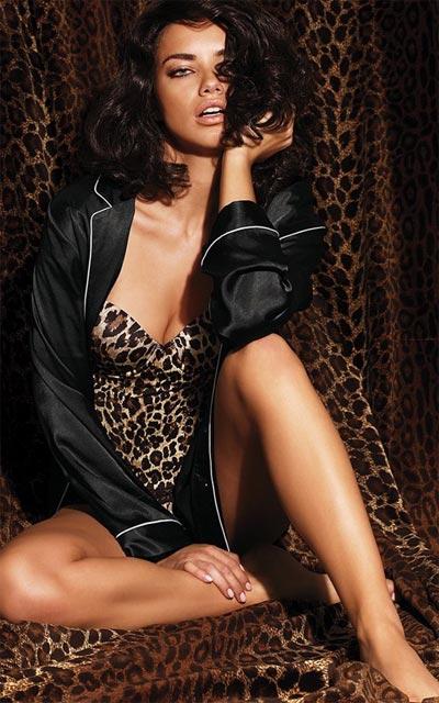 Адриана Лима в новой фотосессии для Victoria's Secret