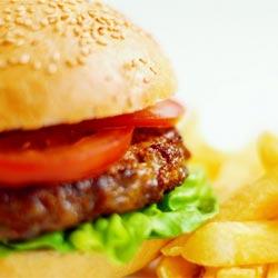 Диетолог рассказал, как похудеть на фаст-фуде
