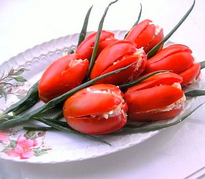 салат с креветками тюльпаны